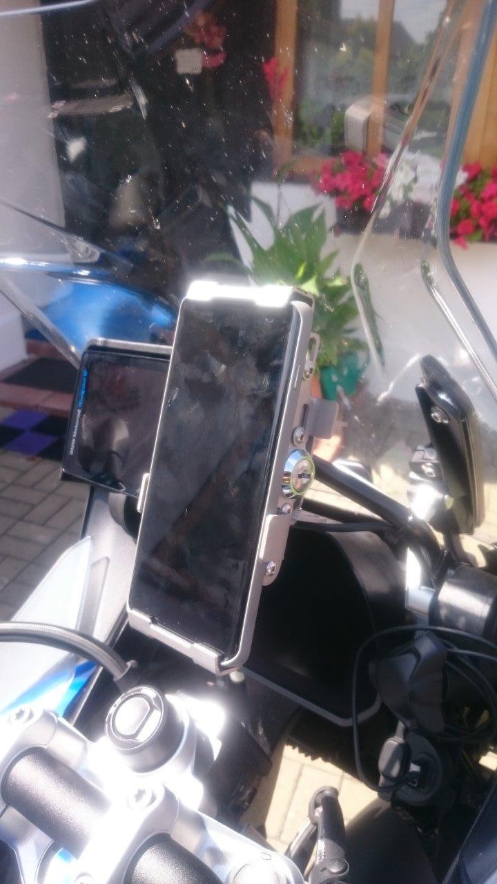 http://moto-drzak-mobilu.kvalitne.cz/fotky_R1250GSA/DSC_7867.jpg