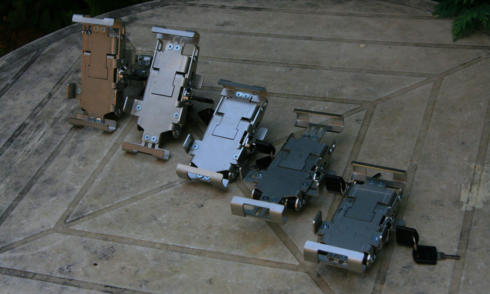 Zamykatelné držáky pro smartphony